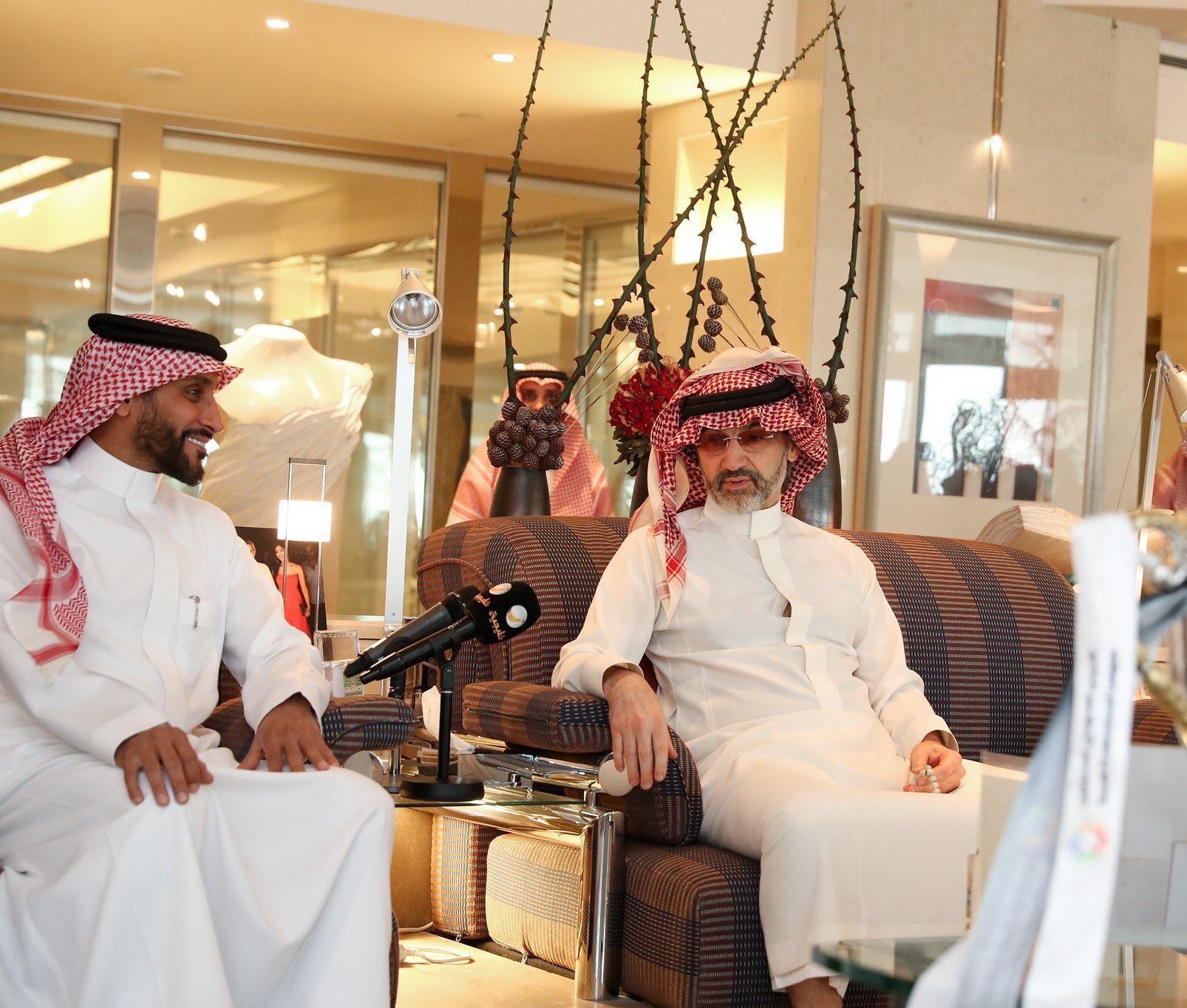 تقارير صحافية : الوليد بن طلال سيجتمع بالهلاليين و هناك وعود بمفاجأة