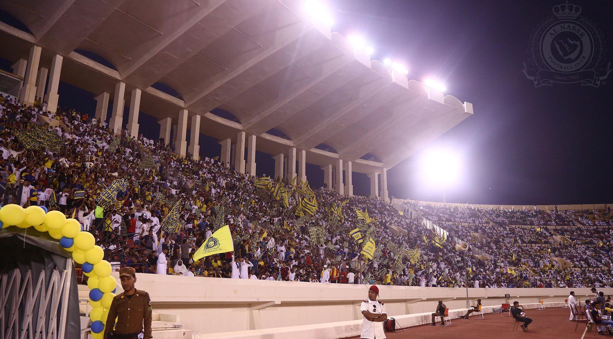 """نادي النصر يحفز الطلاب بتغريدة و هاشتاق """"متصدر لاتكلمني"""" يعود بعد غياب أربعة أعوام"""