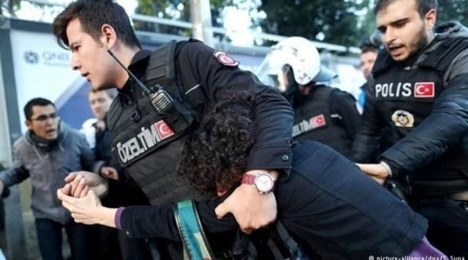 تركيا تعتقل 56 شخصاً لصلتهم بغولن