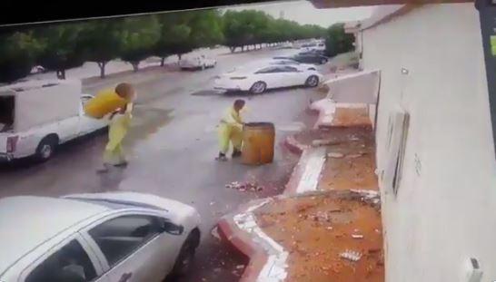أمانة الرياض تحذر العاملين في النظافة العامة بتطبيق عقوبات رادعة على غير الملتزمين