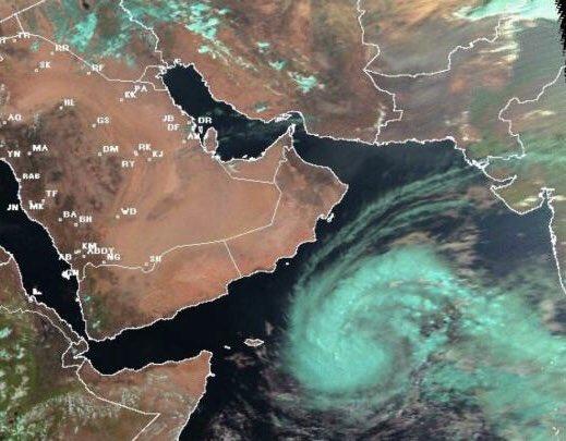 """"""" لبان """" يبدأ باليمن و عمان .. تعرف على الإعصار ومدى تأثيره على المملكة"""
