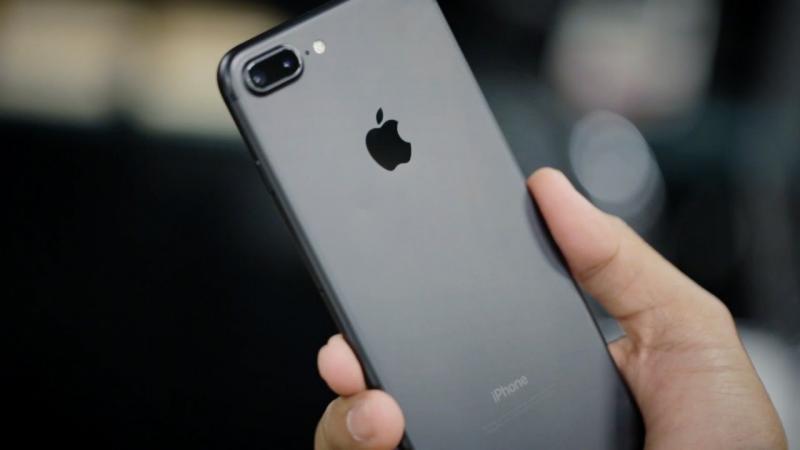 أبل تبطئ هواتف جديدة .. وهذه الطريقة للهروب من ذلك