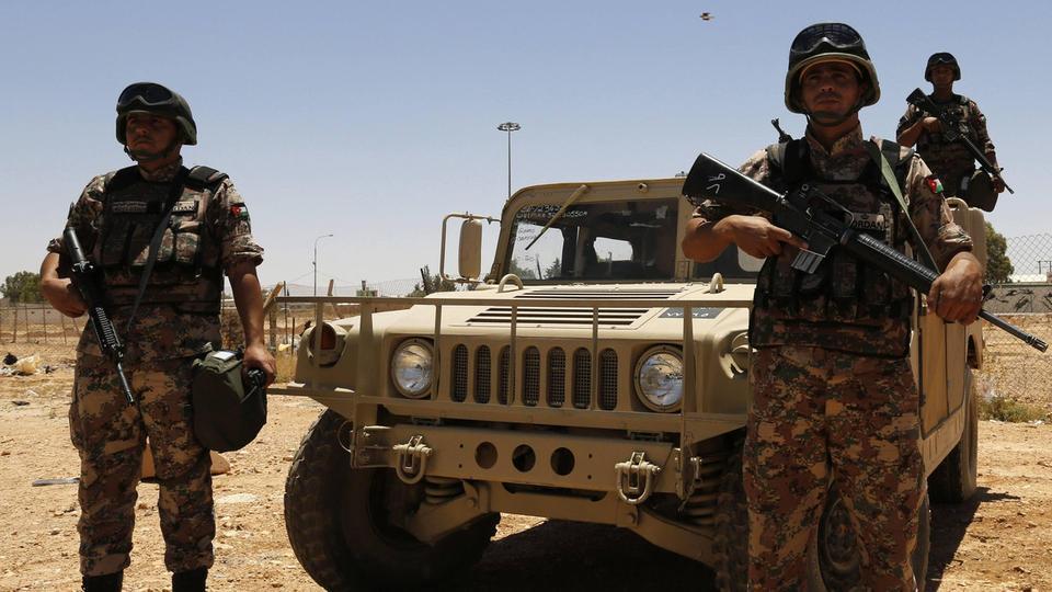 الأردن يحبط محاولة تسلل وتهريب مخدرات عبر الحدود مع سوريا