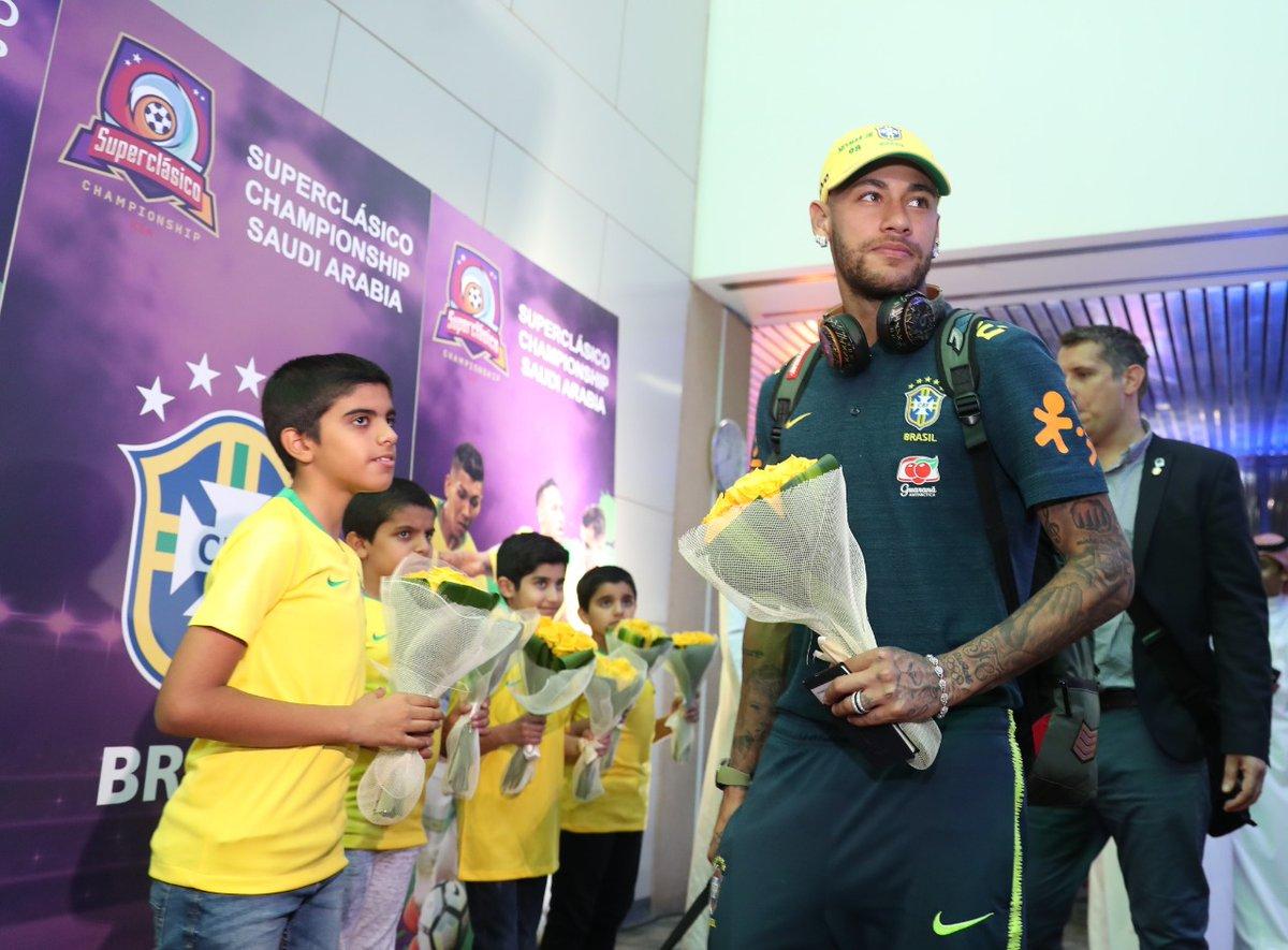 شاهد .. المنتخب البرازيلي يصل الرياض