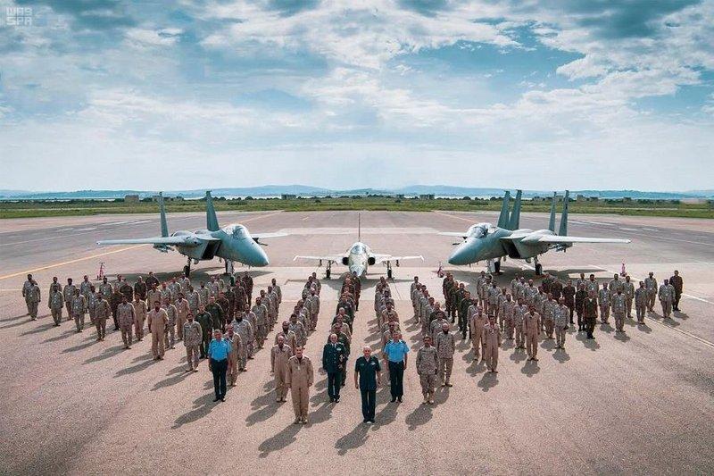 اختتام المناورات الجوية السعودية التونسية المشتركة (صور)