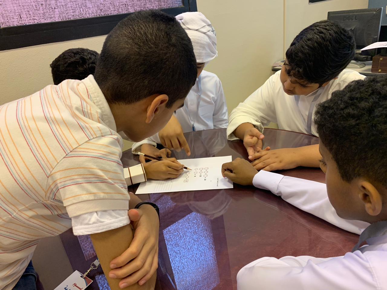 """90 طالبا يشاركونببرنامج اليوم الإثرائي بـ""""موهوبي الطائف"""""""