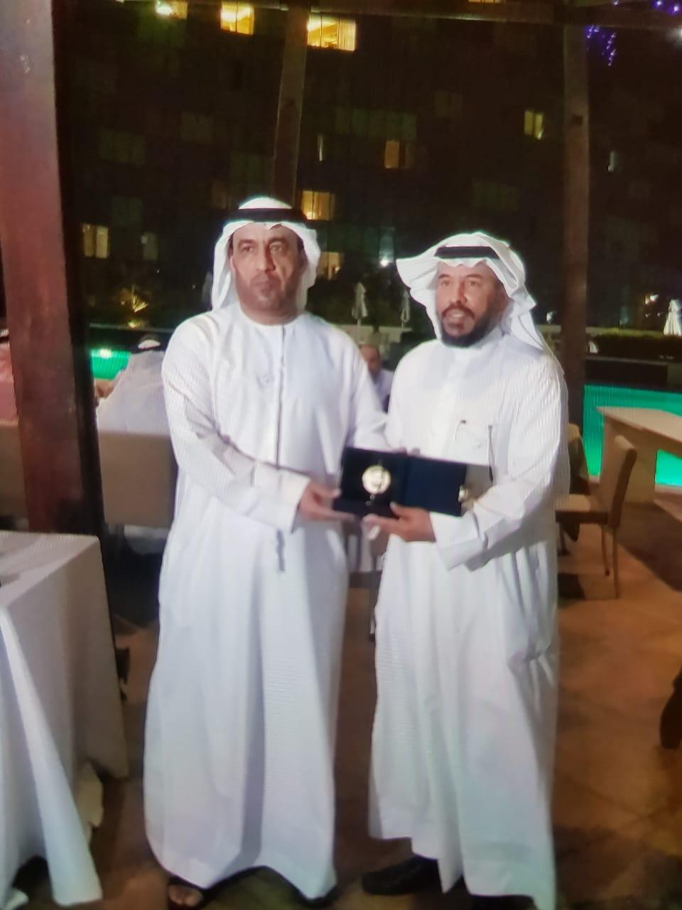 الاتحاد العربي للرياضة الجامعية يكرم الدكتور تركي العيار
