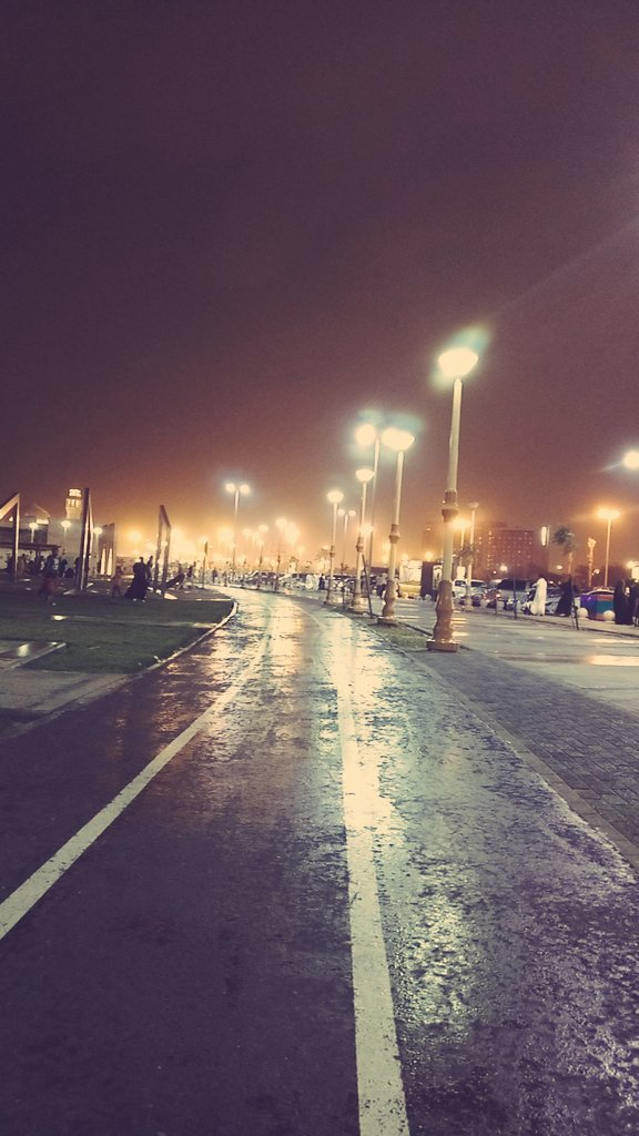 أمطار على مناطق متفرقة في المملكة.. وتوقّعات باستمرارها