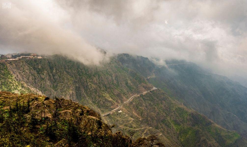 الأرصاد: أمطار رعدية على هذه المناطق