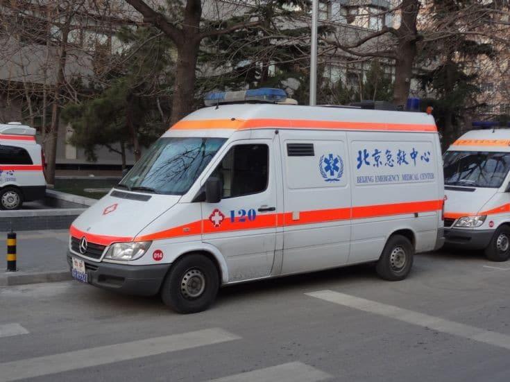 سيارة تدهس عددا من الطلاب في الصين