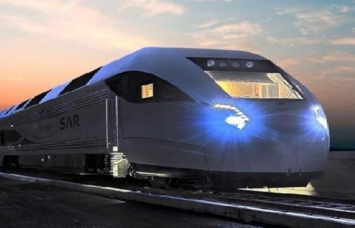"""للمرة الأولى.. قطار """"سار"""" الليلي يصل الجوف"""