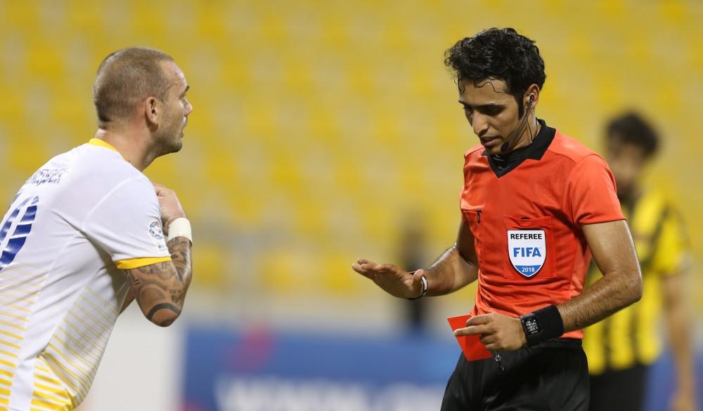 شاهد الهولندي شنايدر يترك الملعب غاضبا: آخر يوم لي في قطر