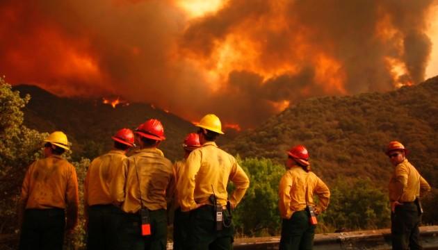 بالصور.. 23 قتيلا بسبب حرائق الغابات في كاليفورنيا