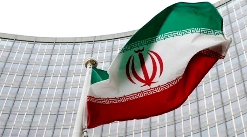 طهران طلبت من رئيس وزراء اليابان التوسط لتخفيف العقوبات النفطية