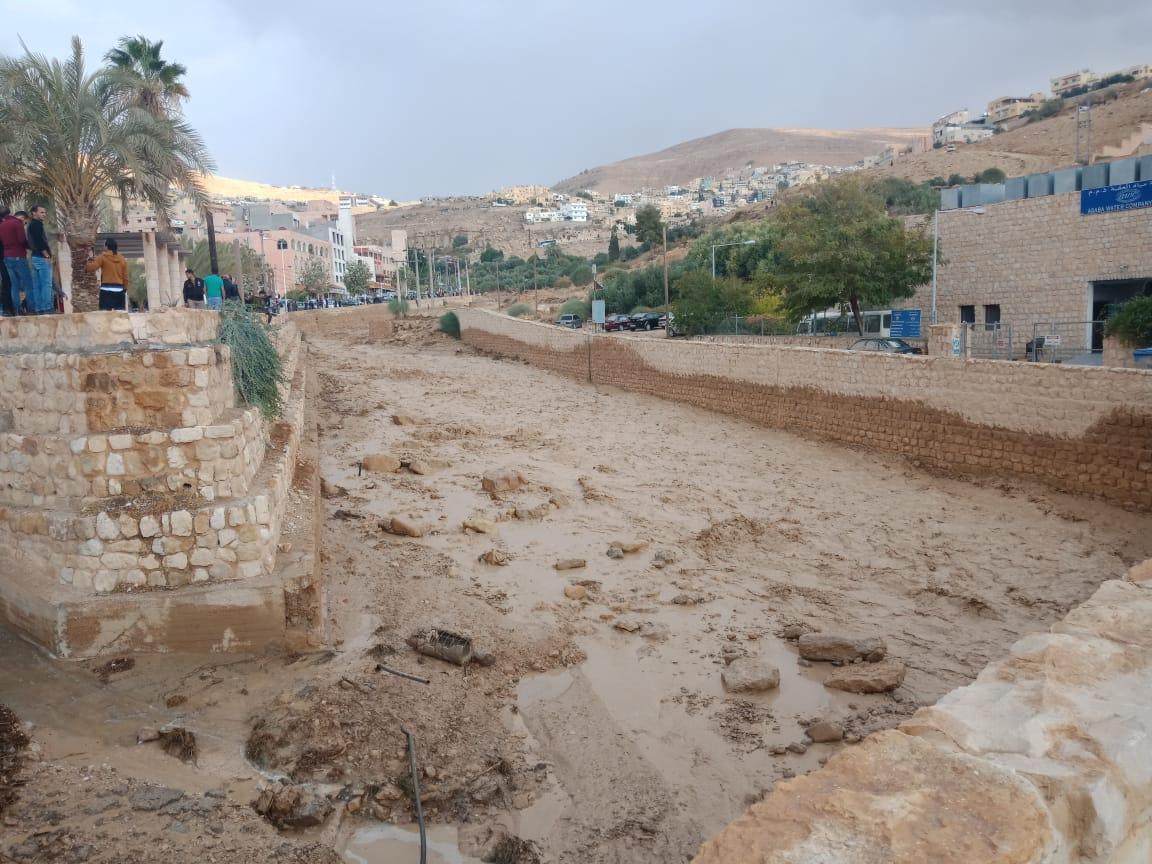 عاجل.. ارتفاع حصيلة ضحايا سيول الأردن لـ7 وفيات