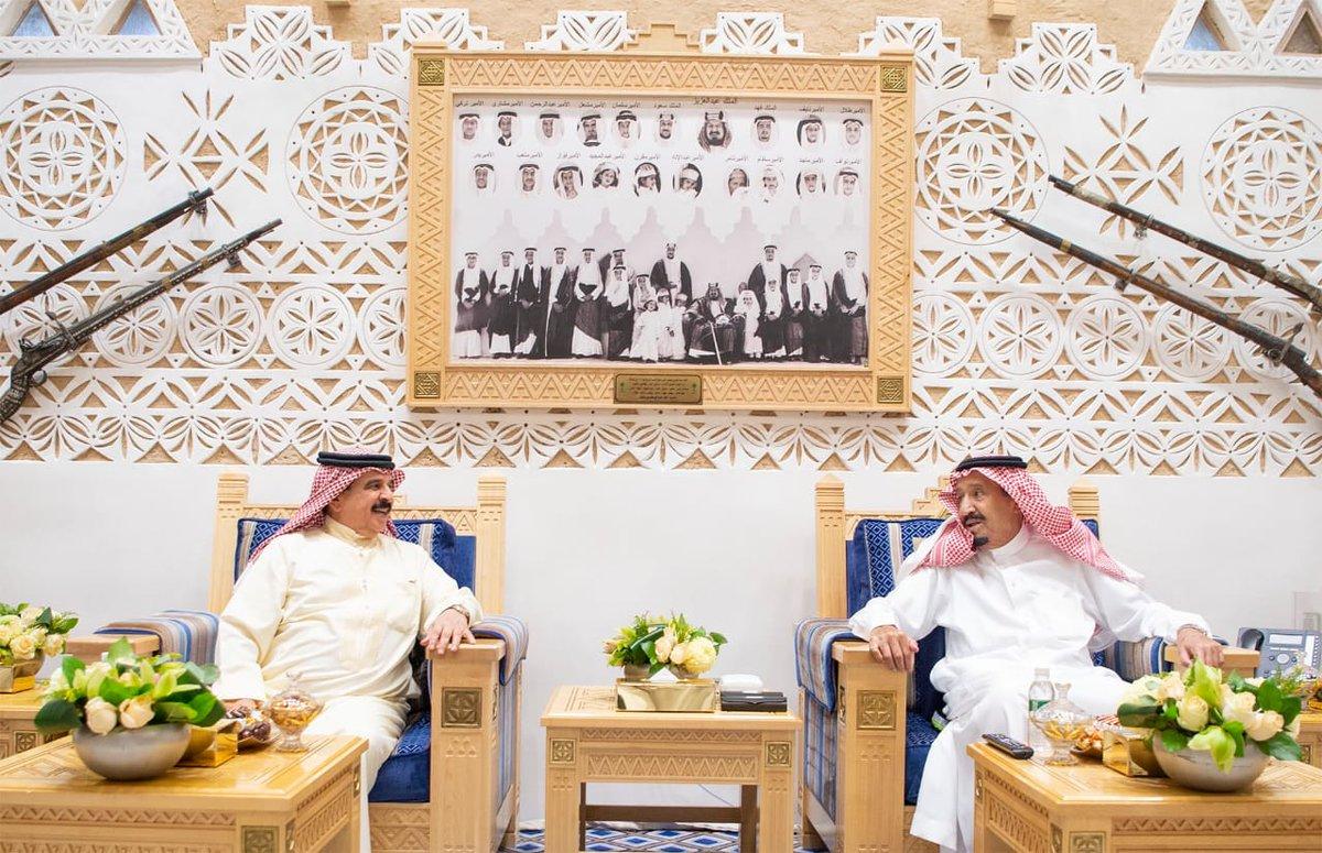 خادم الحرمين يستقبل ملك البحرين ويقيم مأدبة غداء تكريماً له