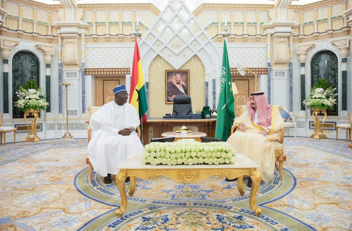 خادم الحرمين يتسلّم رسالة من رئيس جمهورية غانا DrJrThYWkAI3GNO.jpg