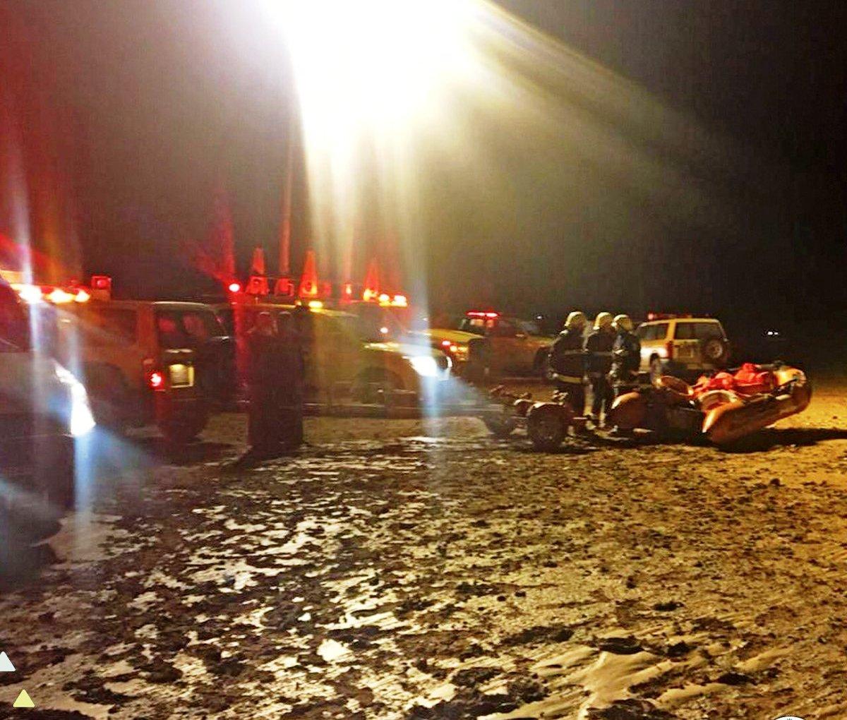 شاهد: إنقاذ 41 شخصاً بعد سيول في الجوف
