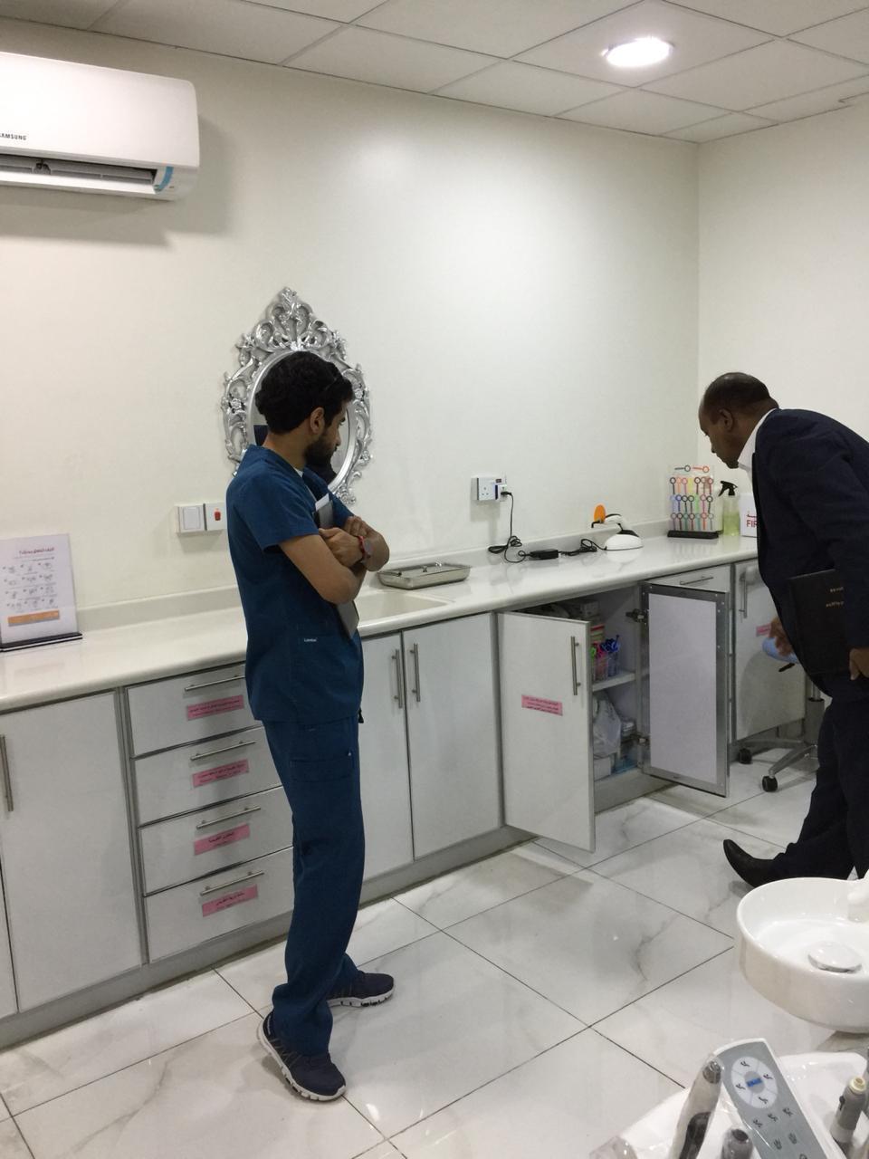 """بالصور.. """"صحة الطائف"""" ترصد 40 مخالفة في قطاع الأسنان الخاص"""