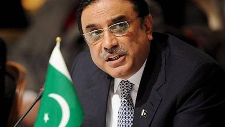 منع الرئيس الباكستاني الأسبق زرداري من مغادرة البلاد