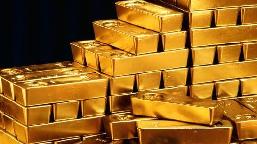 هبوط الذهب وسط تعاملات هزيلة مع انحسار العزوف عن المخاطرة