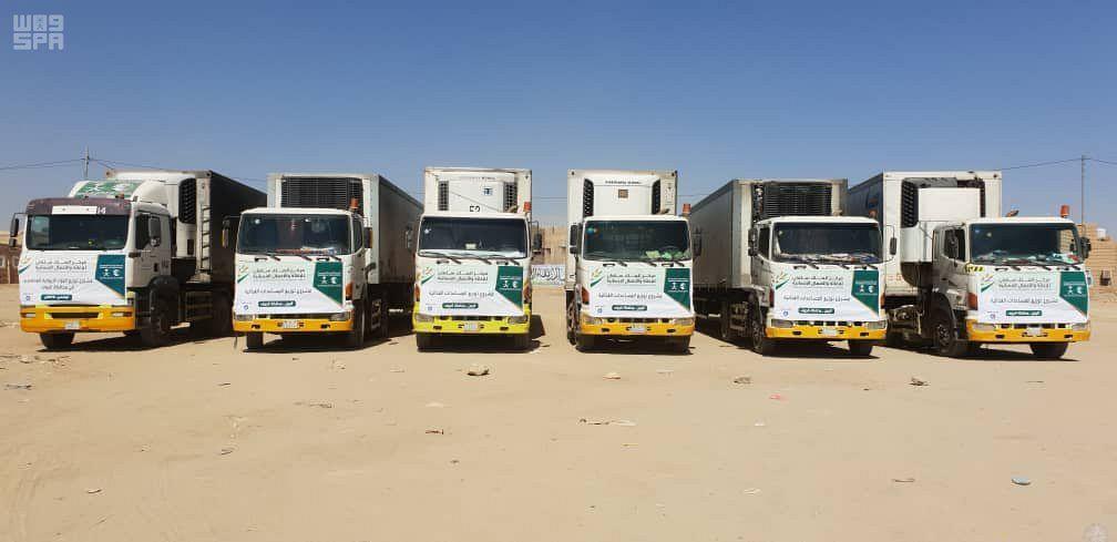 وصول 14 شاحنة إغاثة غذائية إلى محافظة الجوف