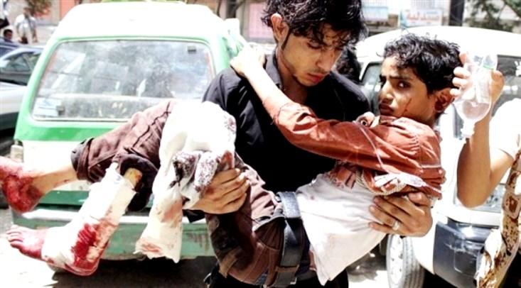 مقتل 7 أشخاص وإصابة 30 بقصف ميليشيا الحوثي على مخيم للنازحين بمحافظة حجة
