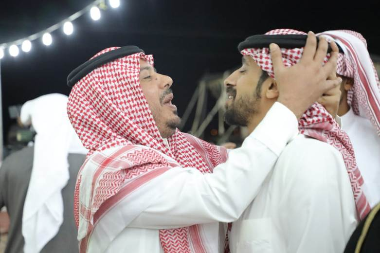 شاهد: «ال مطلقة» تحتفل بعودة المقدم عبدالرحمن الشواف في ليلة وطن