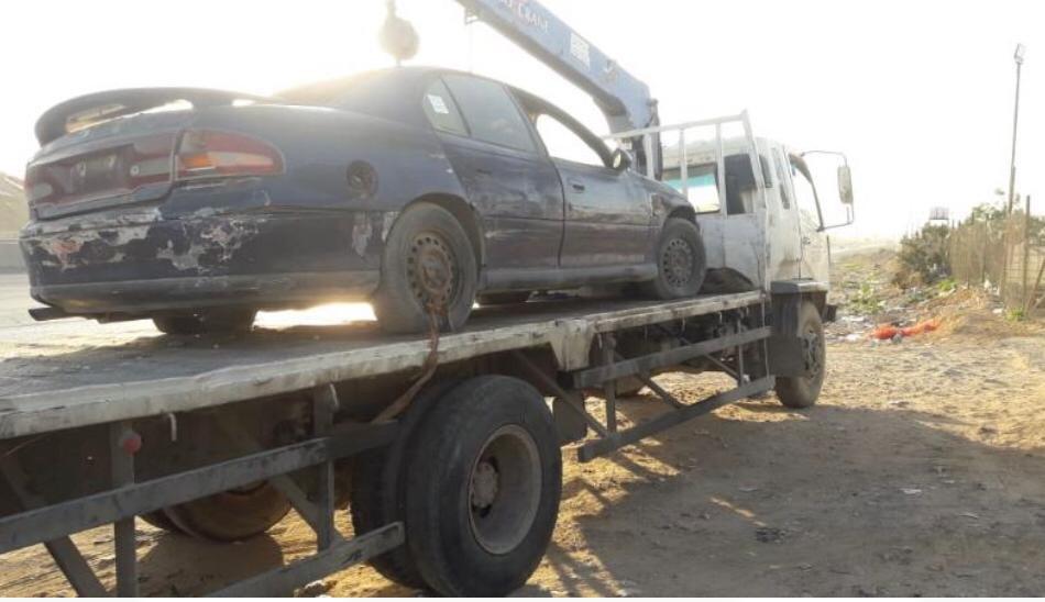 بالصور.. أمانة الرياض تزيل عددا من السيارات المخالفة