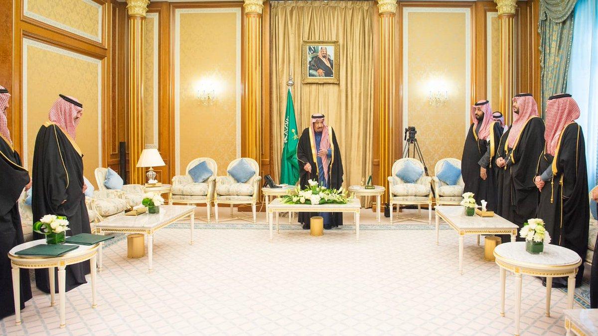 """أمام خادم الحرمين.. الوزراء وأعضاء """"الشورى"""" يؤدون القسم بمناسبة تعيينهم في مناصبهم الجديدة"""