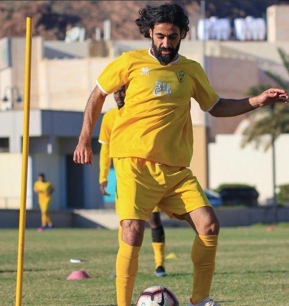 أُحد يعلن انتقال حسين عبدالغني إلى الأهلي