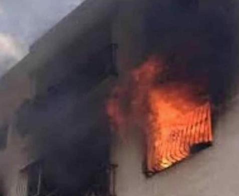 متظاهرون يحرقون منزل رئيس البرلمان السوداني