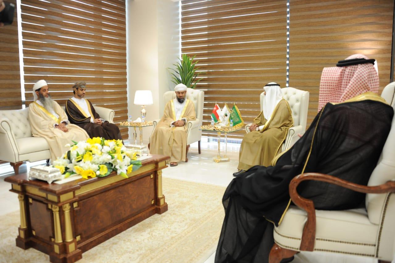 نائب وزير الحج والعمرة يستقبل مدير عام المديرية العامة للوعظ والإرشاد بسلطنة عمان
