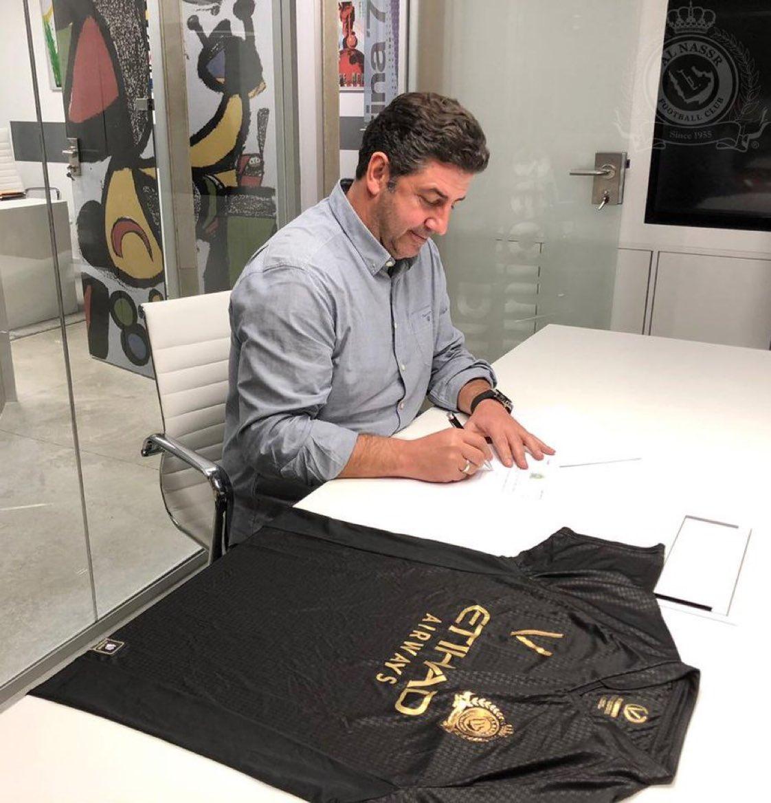 النصر يوقع مع المدرب البرتغالي روي فيتوريا لمدة موسم ونصف