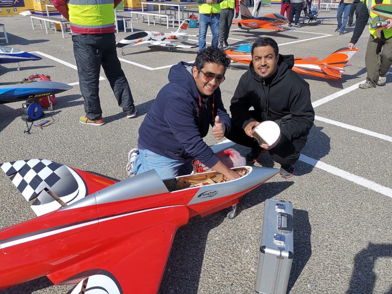 الأخضر يشارك بطولة الطائرات اللاسلكية الثالثة في الكويت (صور)
