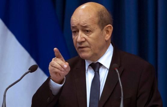 لودريان: سنفرض عقوبات على إيران حال توقف المحادثات بشأن برامجها للصواريخ البالستية