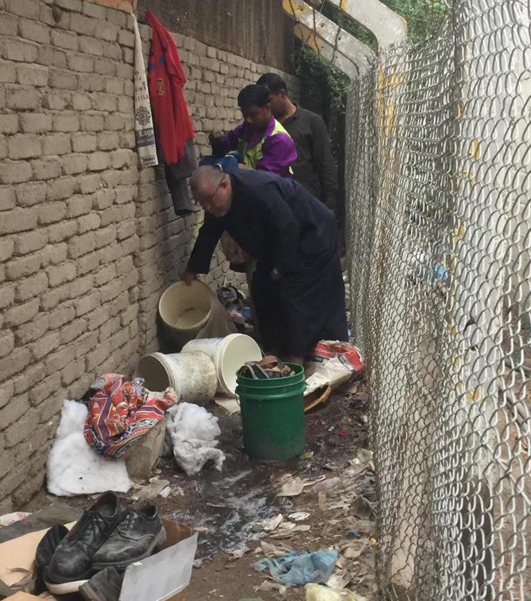 """حملة ميدانية بسبب """"غسل السيارات"""" في شوراع مكة المكرمة"""