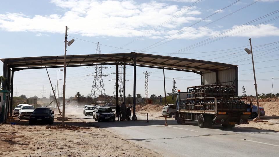 القنصل التونسي يعلن عن تحرير 14 تونسيا كانوا مختطفين في ليبيا
