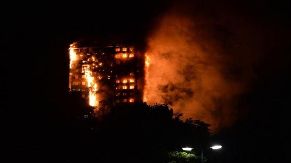 17 قتيلاً في حريق بفندق في نيودلهي