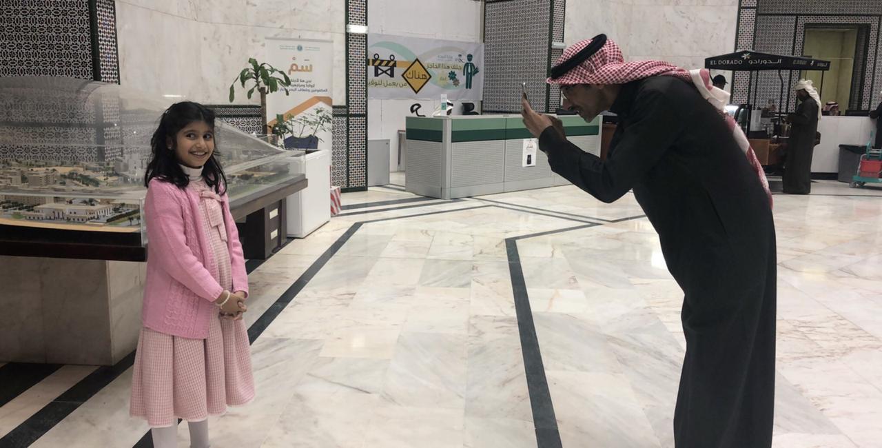 """""""تغريدة"""" تقود مستشفى الملك خالد التخصصي للعيون لتحقيق أمنية """"أبو فيصل"""""""