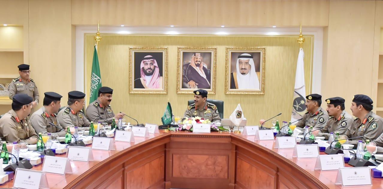 مدير الأمن العام يترأس الاجتماع الأول لقادة قوات أمن العمرة