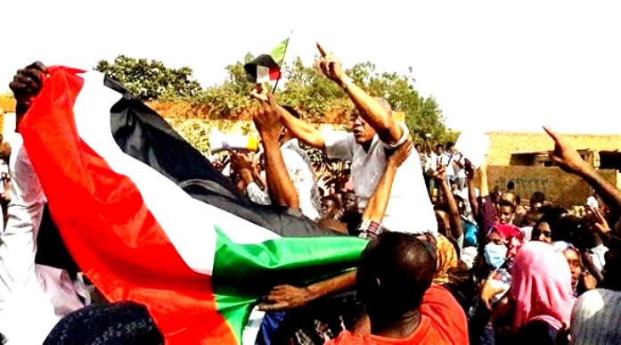 إصابة العشرات من رجال الشرطة ومدنيين في تظاهرات الخرطوم