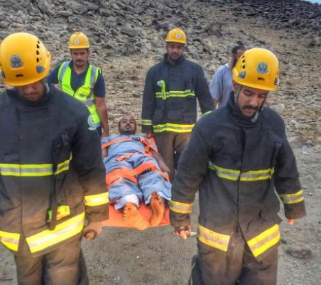 مدني قلوة ينقذ محتجزا على جبل الرميضة (صور)