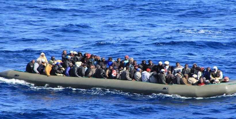 """تركيا """"تبتز"""" أوروبا بـ""""اللاجئين"""" للاستحواذ على شمال سوريا"""