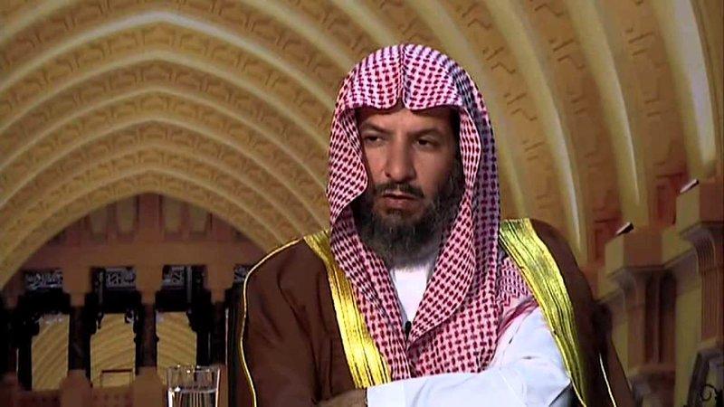 الشيخ الشثري يدعو في المسجد الحرام لوجوب التفريق بين باب الأطعمة والطب