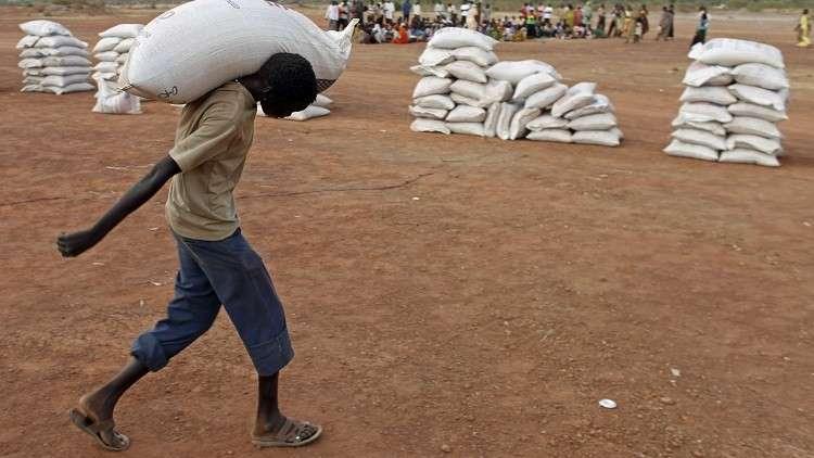 السودان يحتجز شحنة دقيق قمح قادمة من مصر