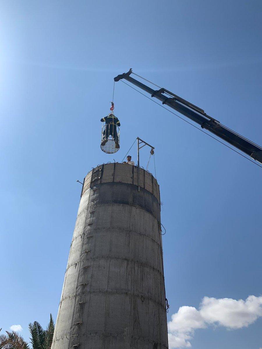 """""""مدني الروضة"""" ينقذ عاملا سقط في خزان مياه داخل مزرعة"""