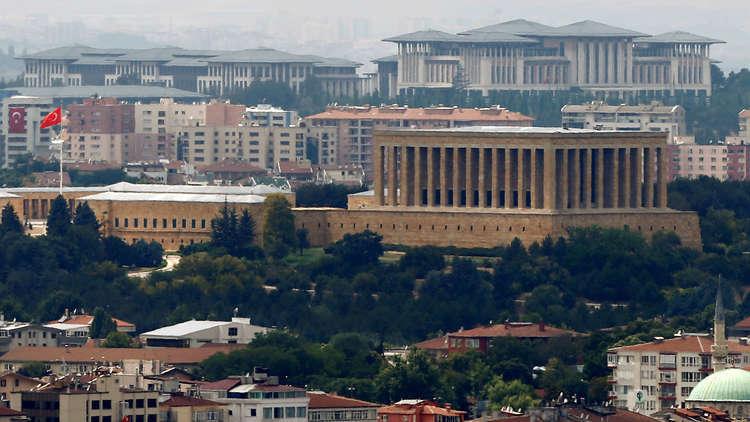 تركيا ترفع حظر الدخول إلى المواقع الإباحية