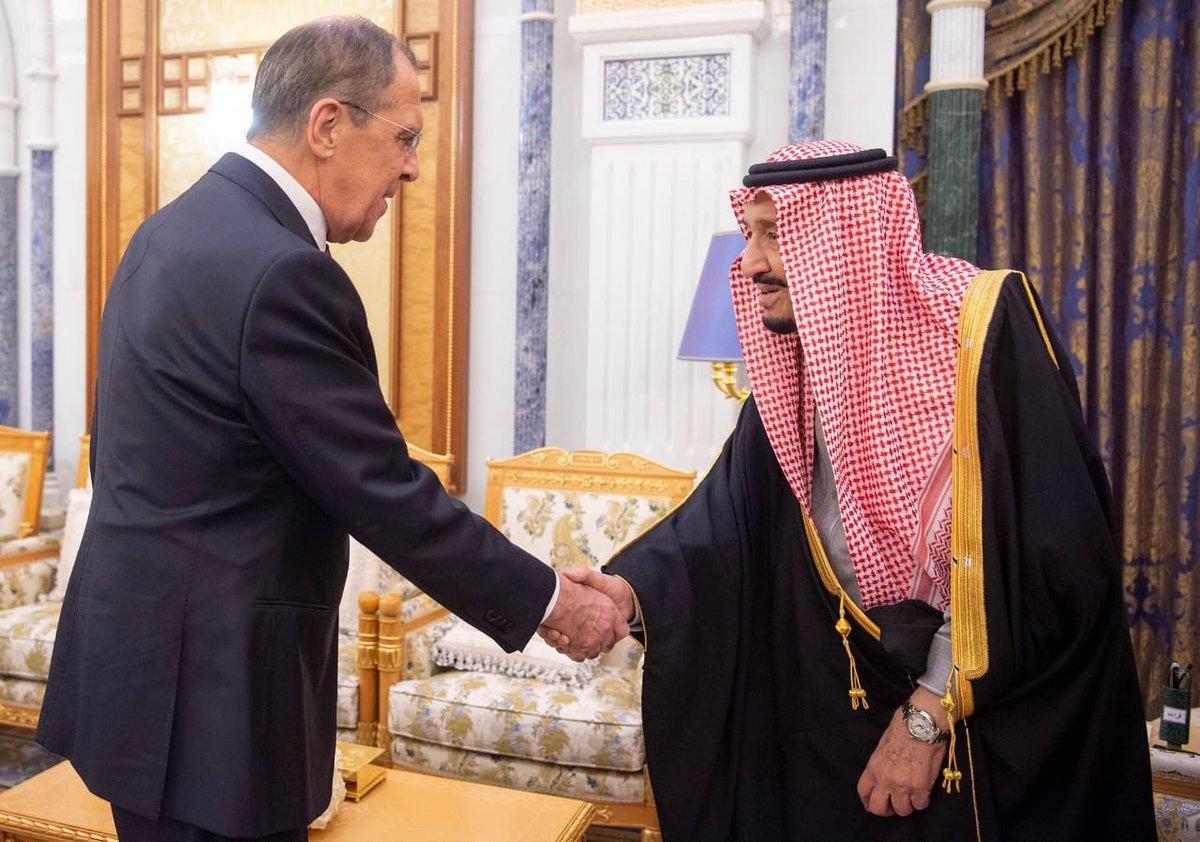 خادم الحرمين الشريفين يستقبل وزير خارجية روسيا الاتحادية