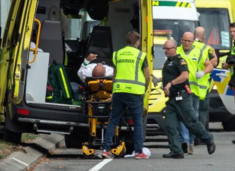 والد أحد السعوديين المصابين في حادث نيوزيلندا الإرهابييكشف حجم إصابة نجله